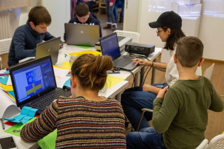 <19 Freestyle Computing Competition - Shape your world!