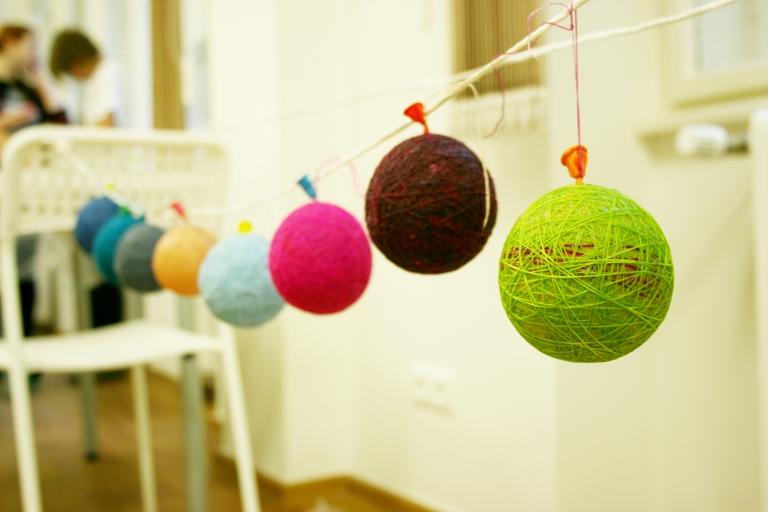Yarn-lamp-maker workshop