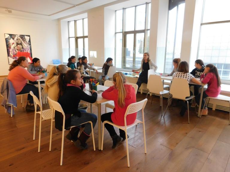Let's Design ARTI's Friends! – Puppet-maker Workshop for Groups