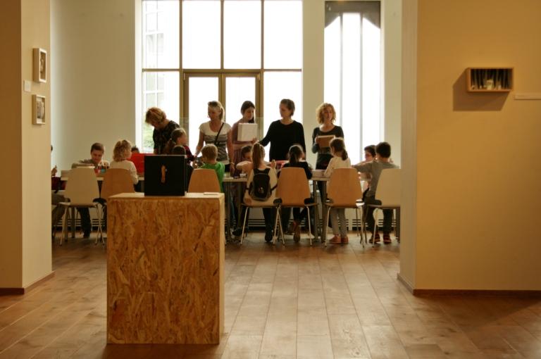Pedagógiai összefoglaló a Dobozterek– Magán(y)gyűjtemények kiállításhoz kapcsolódó  múzeumpedagógiai foglalkozásokhoz